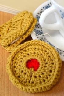 crochet biscuits